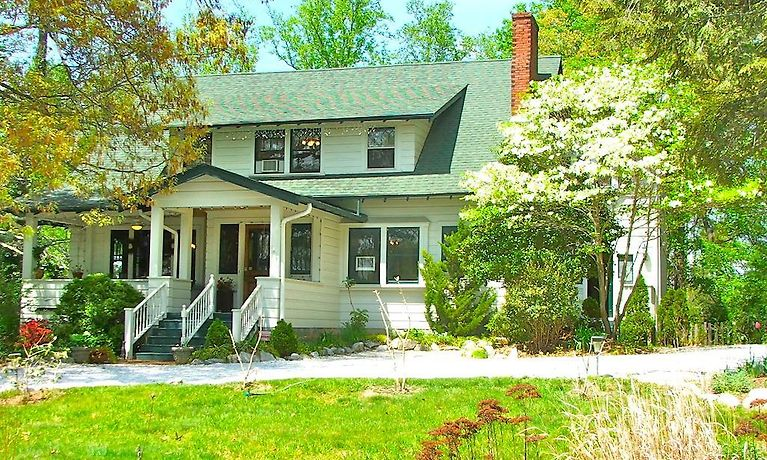 HOTEL OAKLAND COTTAGE BED AND BREAKFAST, ASHEVILLE ***